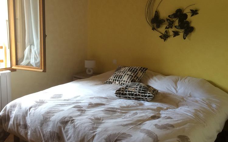Chambre 2 au 1er étage (lit double 2x 90x190)